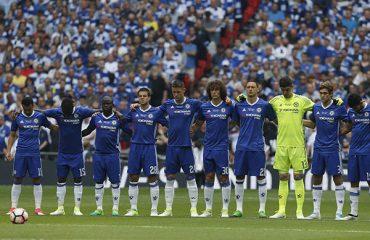Chelsea họp sa thải Conte